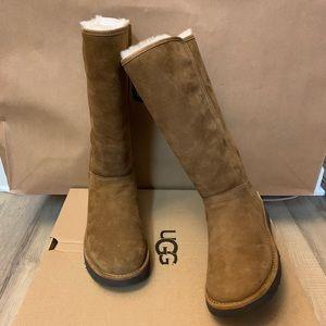 NIB UGG Abree II Boots / Women size 6, 7, 8